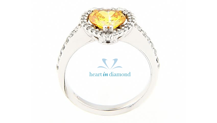 Precious yellow diamond used in a silver ring